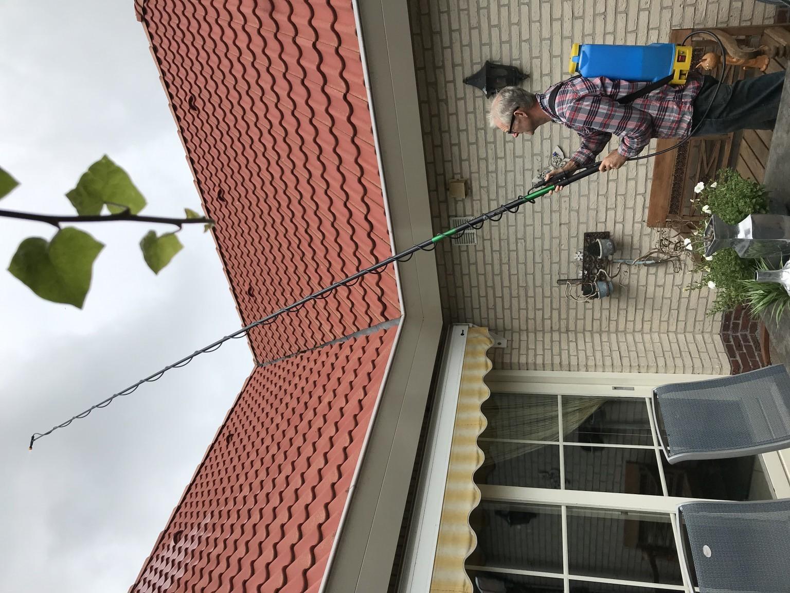 Zelf dak reinigen met biomos.png